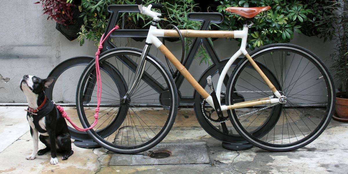 Rack Bici, fundido en aluminio para asegurar bicicletas.